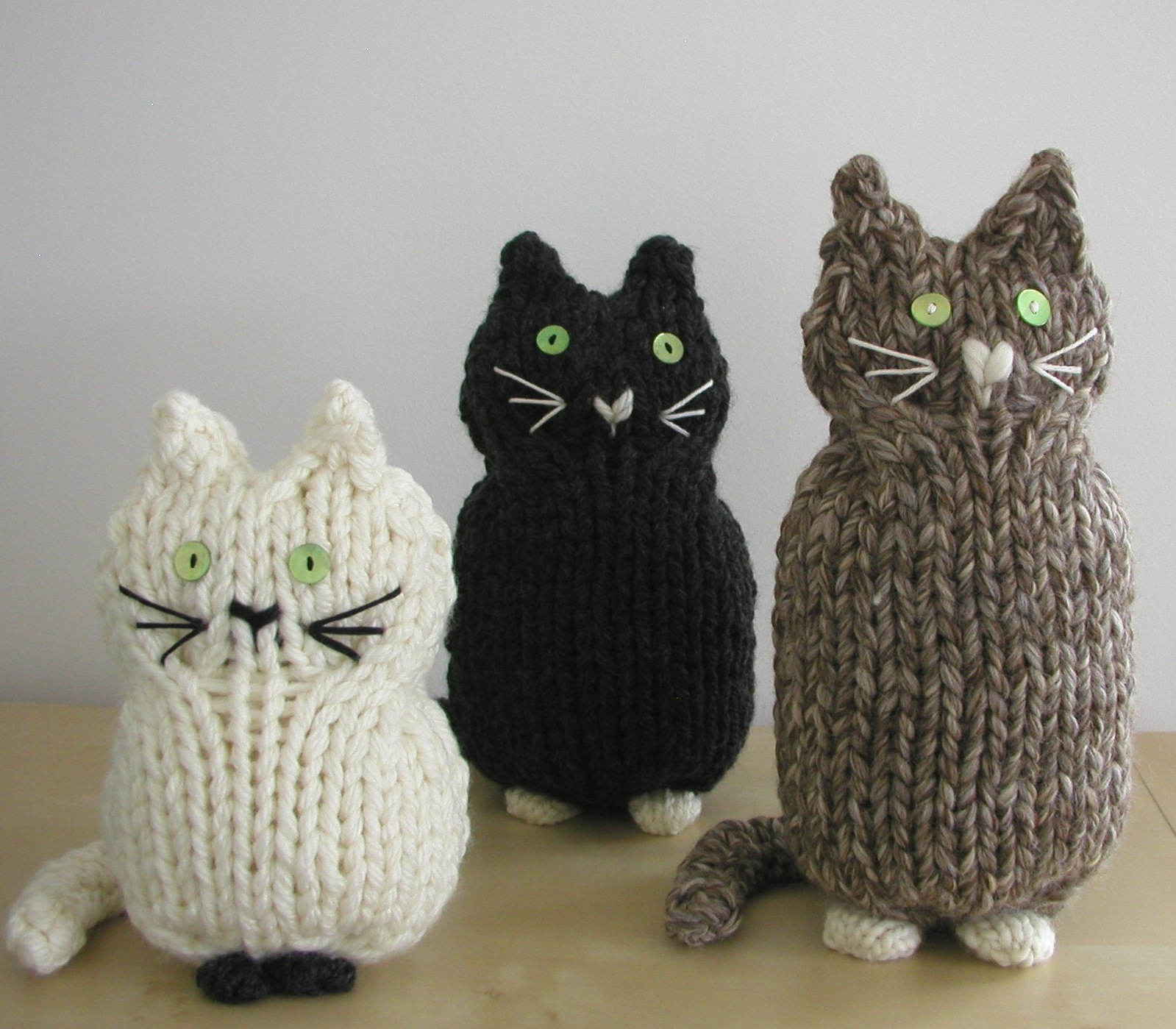 Knitted Cat Pattern : Hand Knitted Things: Knitted Cats