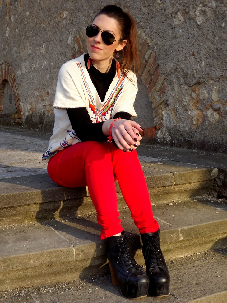 Zara Aztec Sweatshirt Zara Bright Red Skinny Pants Jeffrey Campbell Lita Espana Heels H&M Feather Earrings Rayban Sunglasses Red Decenario Bracelet Brown Nailpolish Collistar 85 Cioccolato