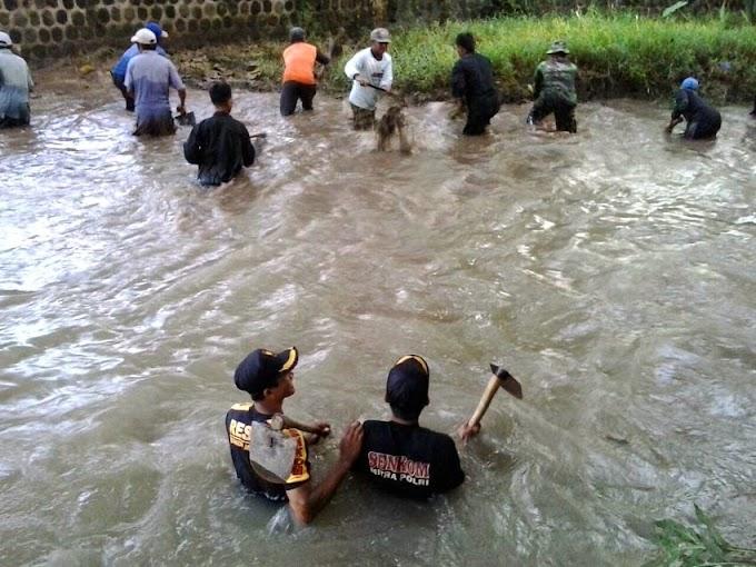 Kerja Bakti Senkom Ngawi