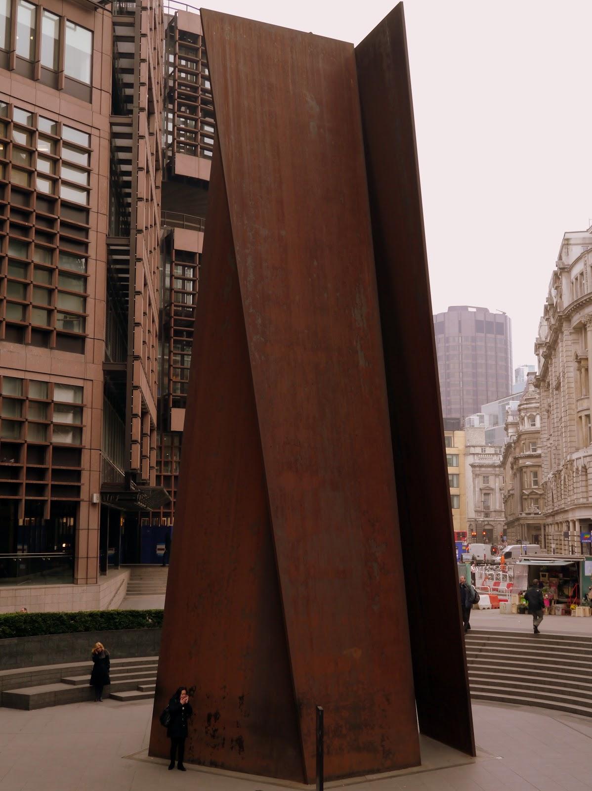 sculpture of fulcrum essay
