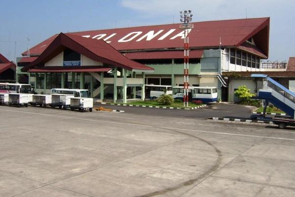 Bandara Polonia Medan. ZonaAero