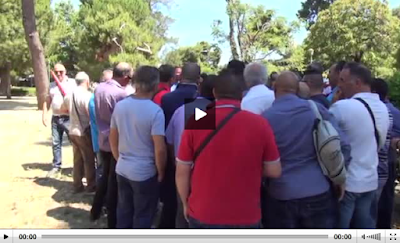 http://palermo.gds.it/2015/06/30/servizio-antincendio-in-ritardo-la-protesta-dei-forestali-a-palermo-video_376763/