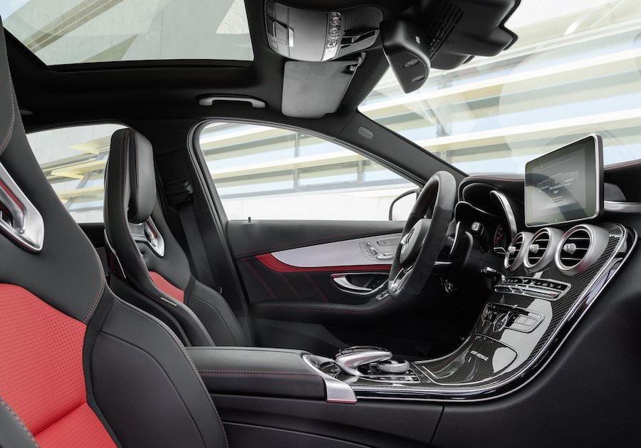 新型の「メルセデスベンツC63 AMG」