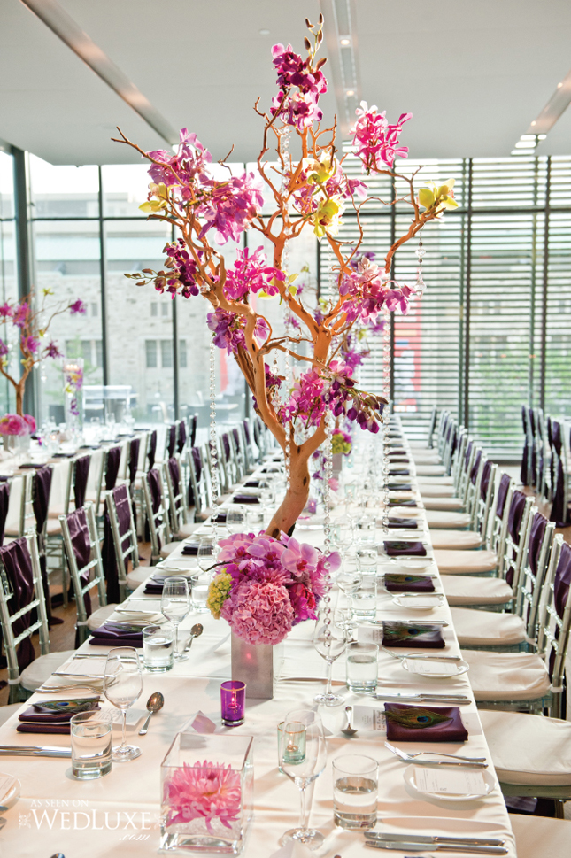 25 stunning wedding centerpieces belle the magazine for Cool wedding table decorations