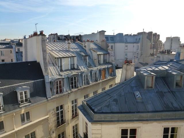 Vieraissa - Toinen jalka Pariisissa