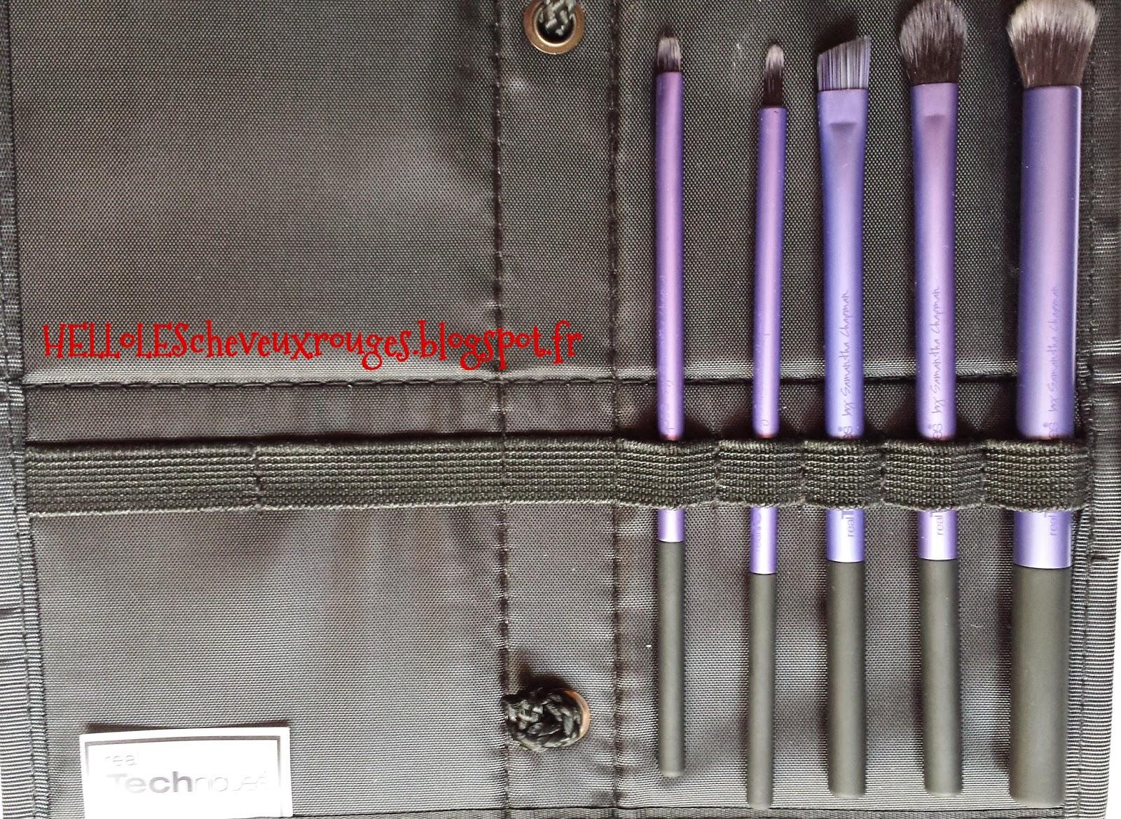pochette de rangement des pinceaux fournis dans le kit real techniques de samantha chapman