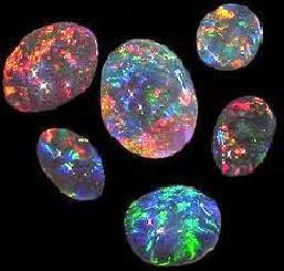 Batu Kalimaya yang Banyak Warna