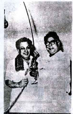 MGR Getting Sword from Anna Durai