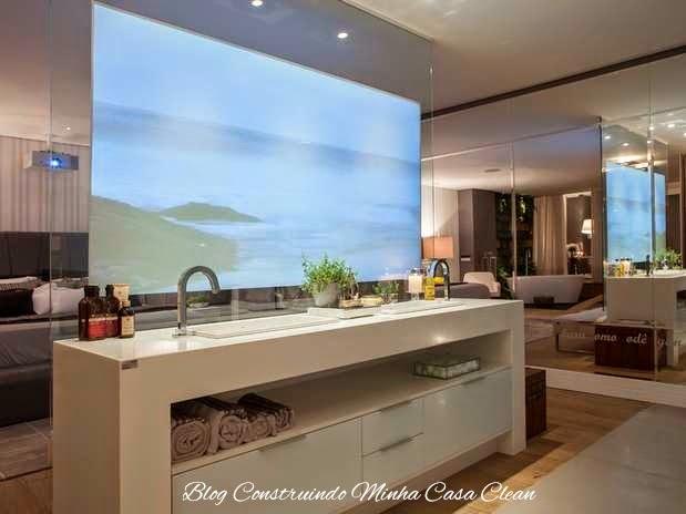 Construindo Minha Casa Clean Quartos Integrados com Banheiros de Vidros! -> Banheiro Com Banheira E Televisao