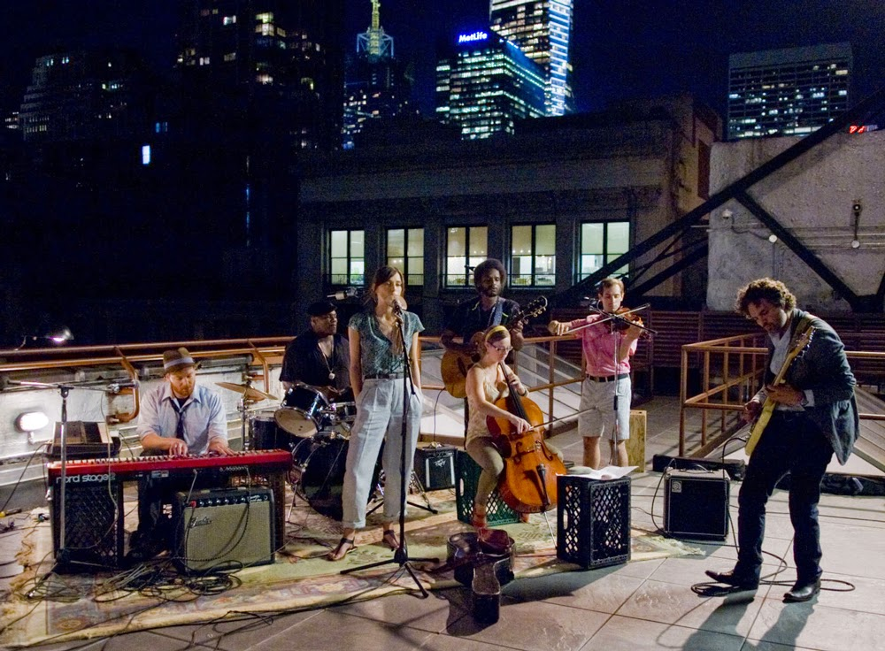Kiera Knightly and Mark Ruffalo in Begin Again