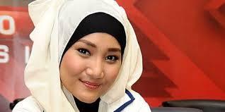 FATIN SHIDQIA LUBIS JUARA X FACTOR INDONESIA SEASON PERTAMA PADA 24 MEI 2013