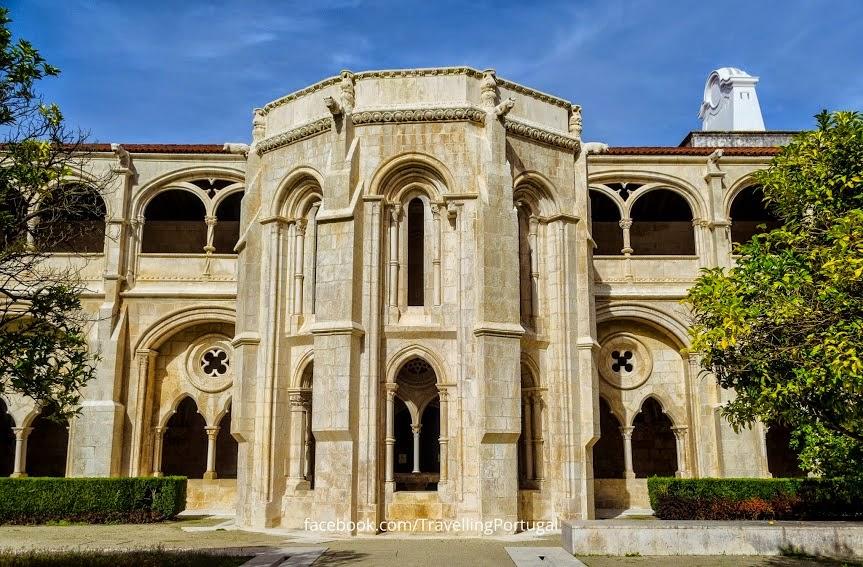 claustro_real_mosteiro_de_alcobaça