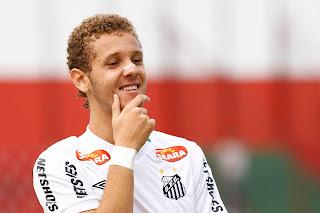Vitor Hugo base do Santos FC