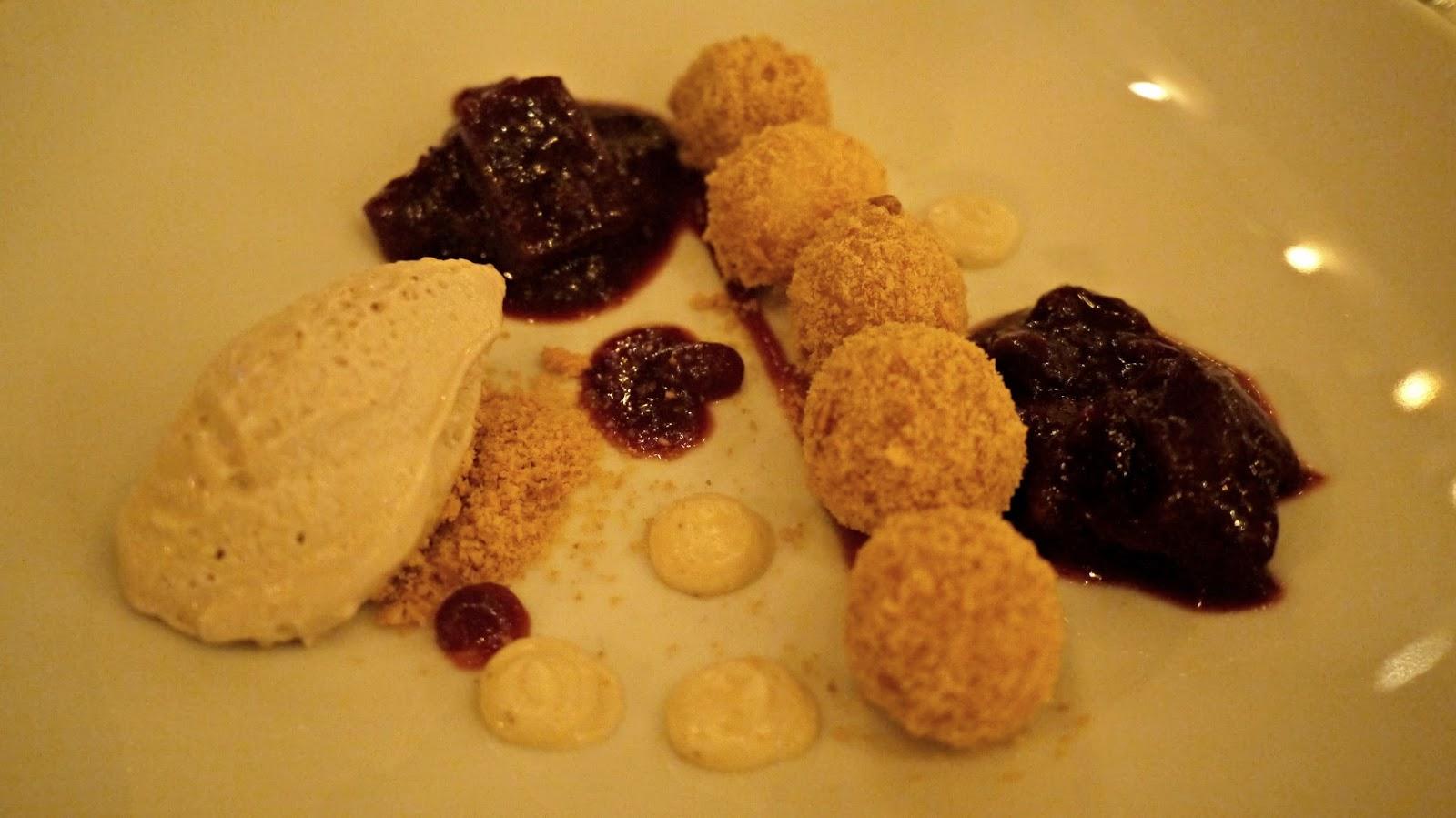 Aszú Étterem restaurant budapest plum dumplings