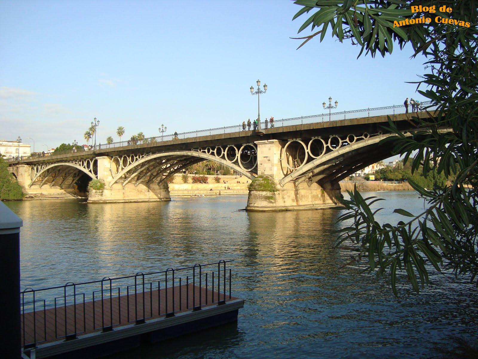 Puente de Triana, en Sevilla