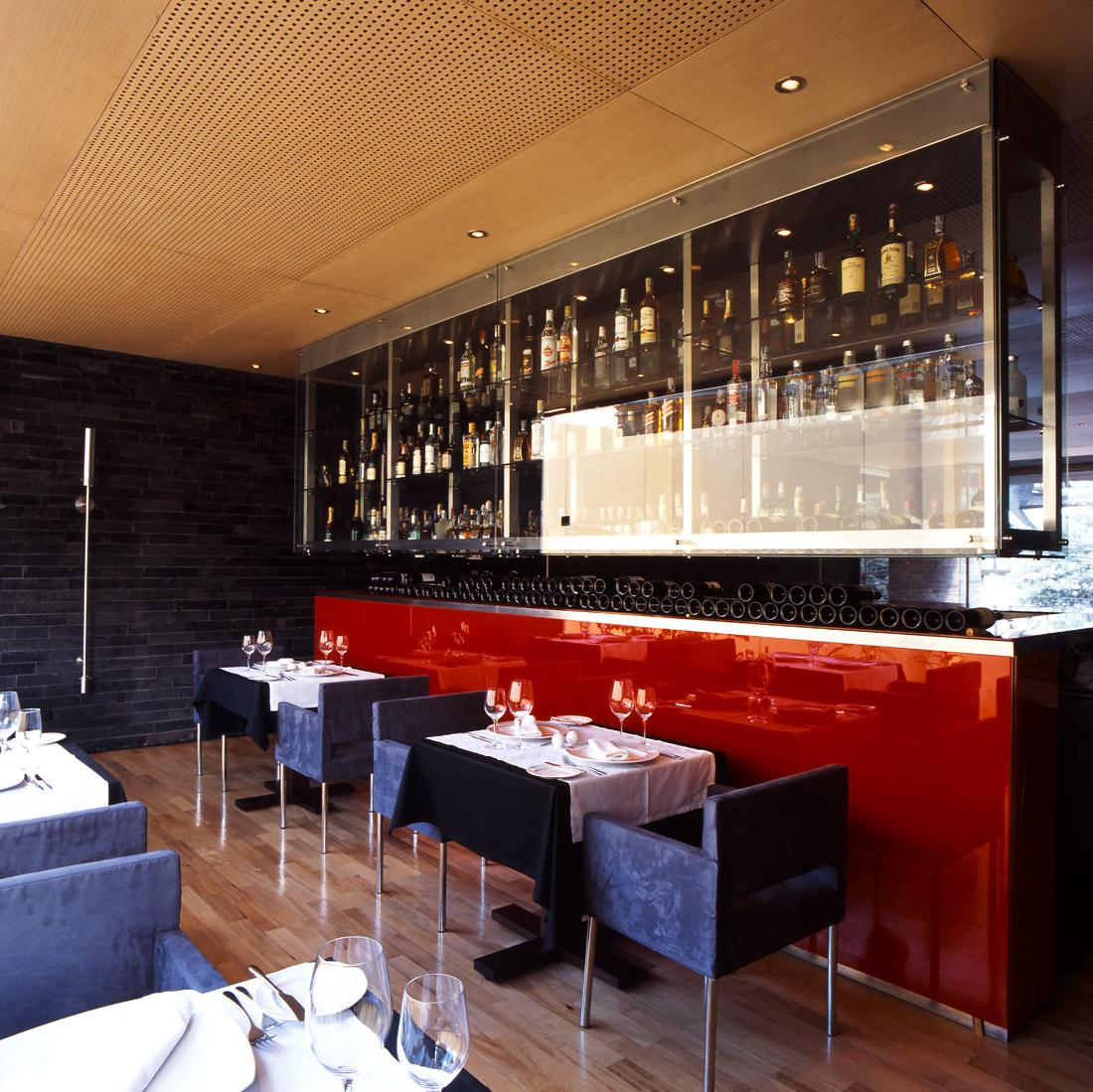 Best restaurant interior design ideas nazca peruvian for Best restaurant exterior design