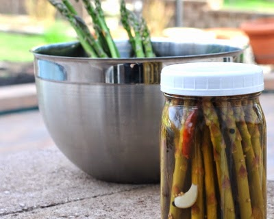 Pickled Asparagus, quick and easy, low carb and practically no calories.