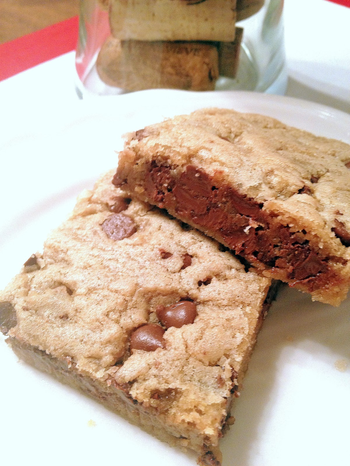 Domesticated Duchess: Rich Thick & Chewy Chocolate Chip Cookie Bars