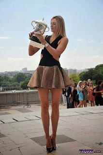 Maria Sharapova @ Roland Garros Trophy in Paris 4.jpg