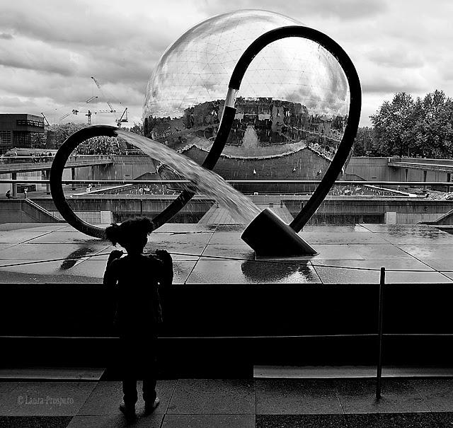 Antigravitational Sigma - sculpture de manolis maridakis  © Laura Prospero