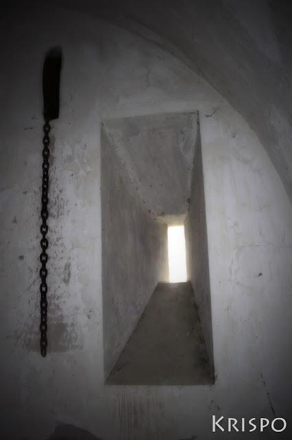 ventana del fuerte de guadalupe de hondarribia