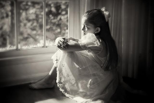 Вечернее размышление в черно-белых фотографиях Кэролайн Хэмптон