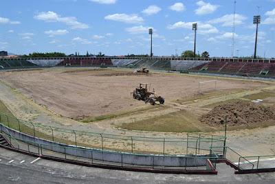 Reforma do estádio Joia da Princesa começa pelo gramado