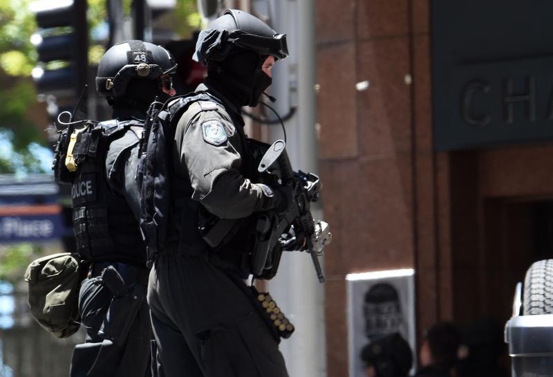 Terkini Lelaki Bersenjata Tawan Pelanggan Tebusan Dalam Kafe