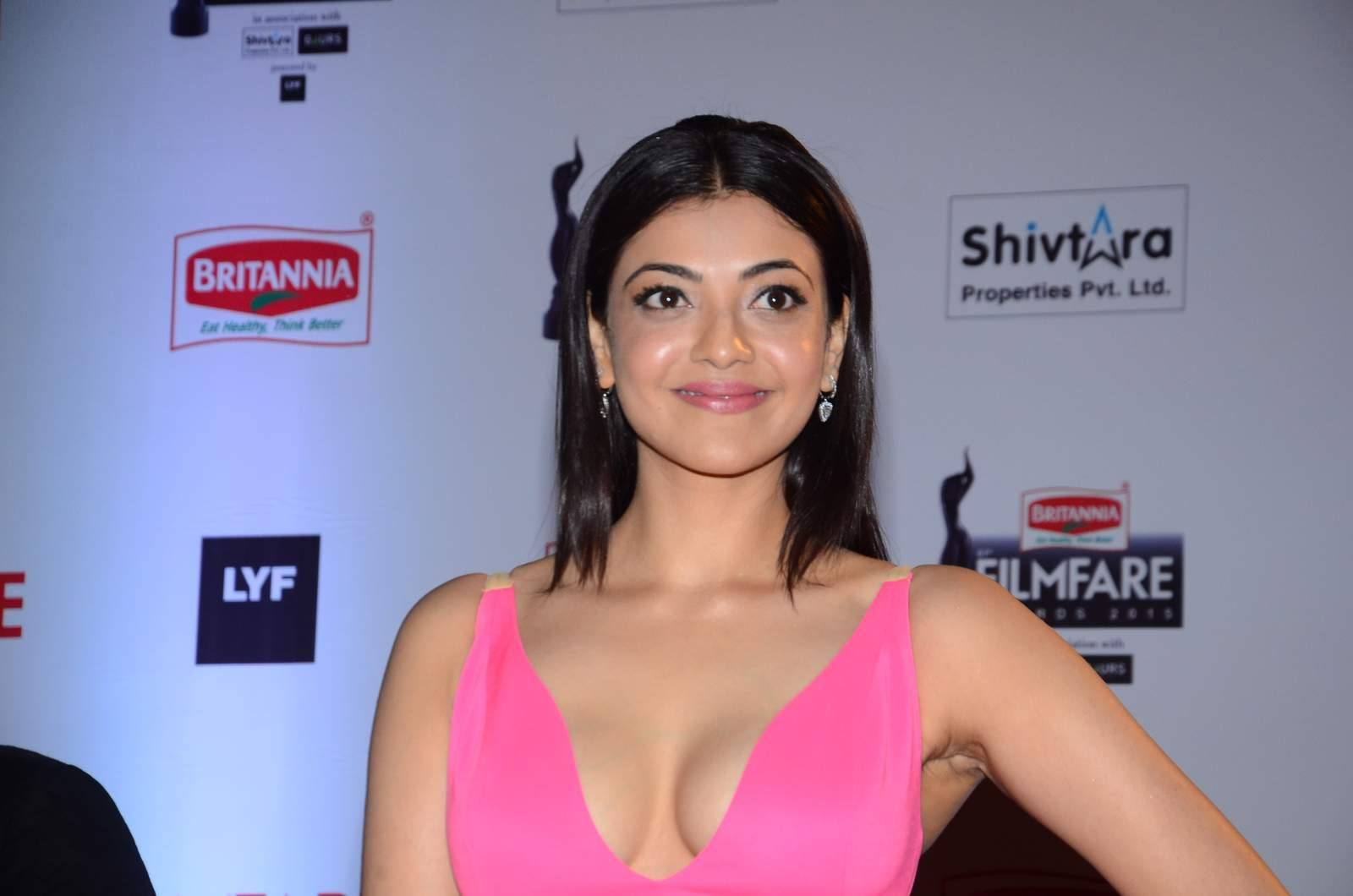 Kajal Aggrawal beautiful at filmfare 2016, Kajal Aggrawal hot photos