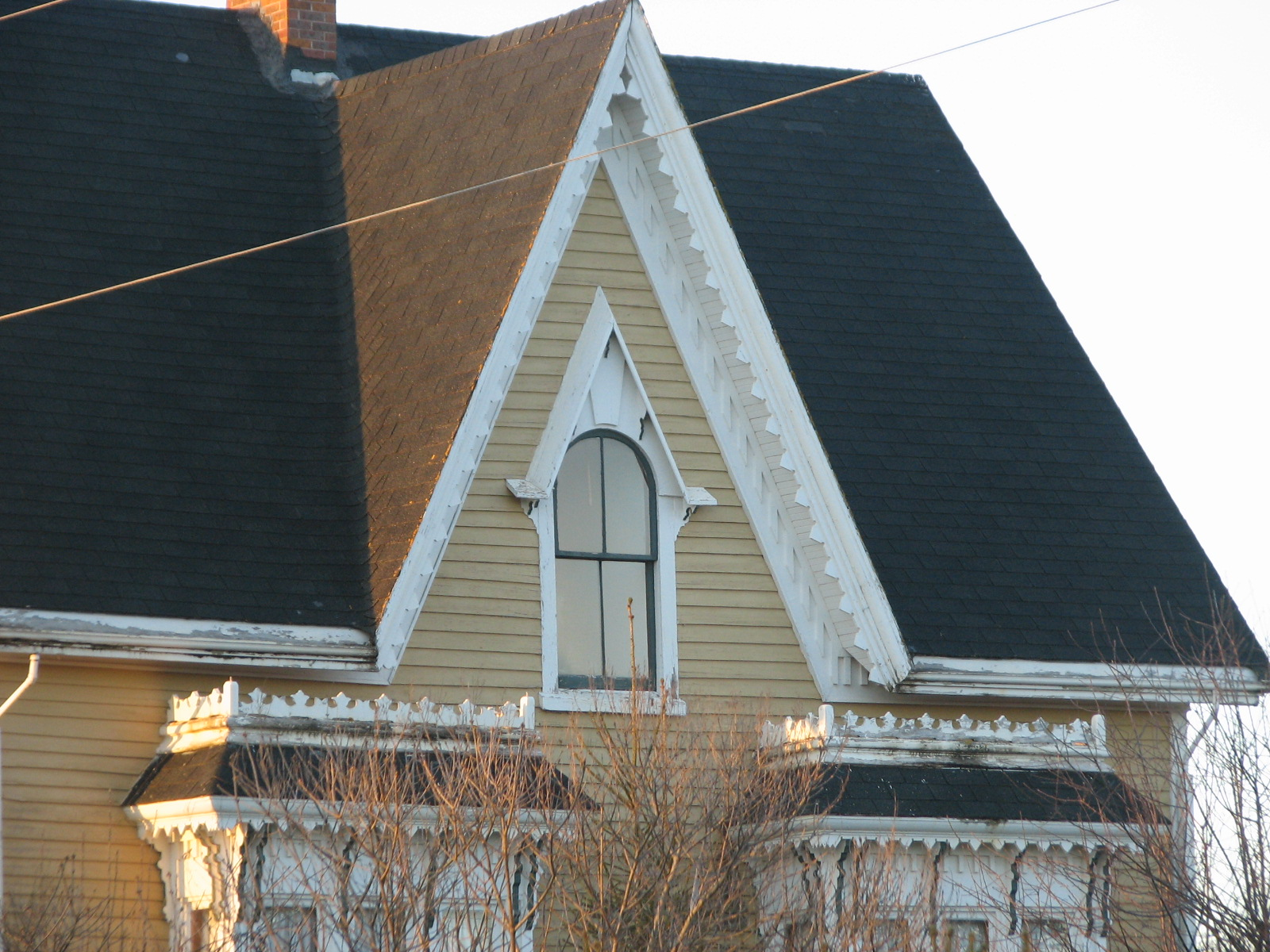 P e i heritage buildings summerside area today for Architectural gingerbread trim