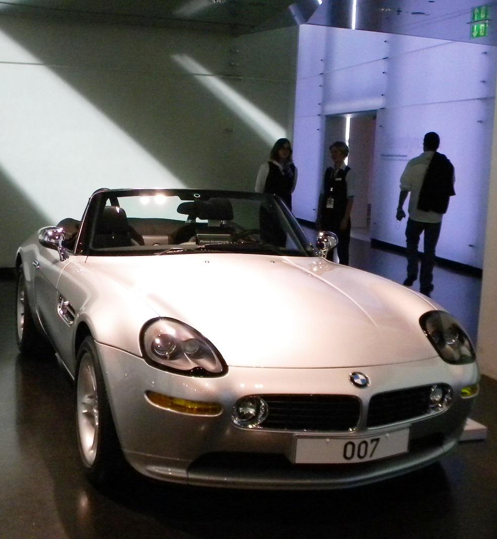 Bmw Z8 Bond: Almanya BMW Müzesi Gezisi (85 Fotoğraf)