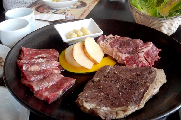 Bulgogi Brothers' Sirloin Steak Platter (Php2495)