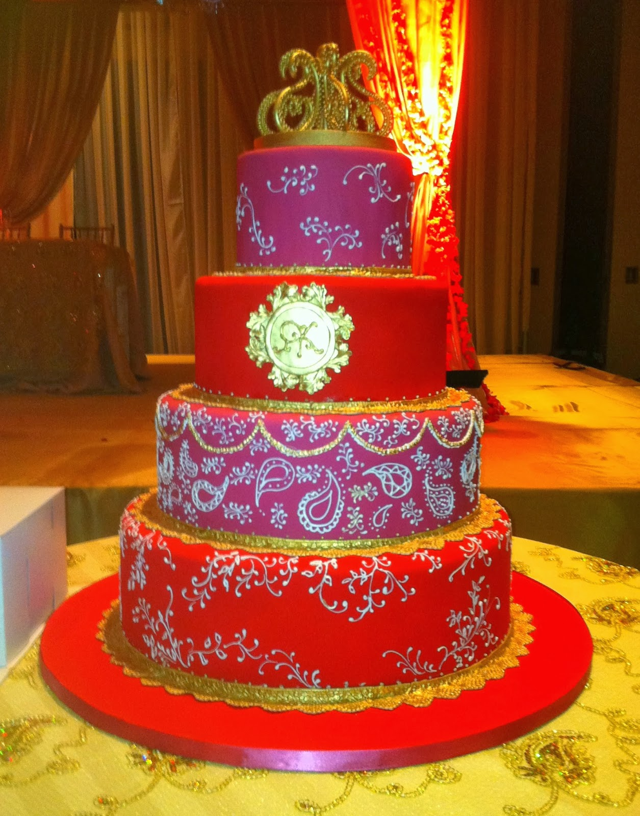 Indian Wedding Cakes Sari