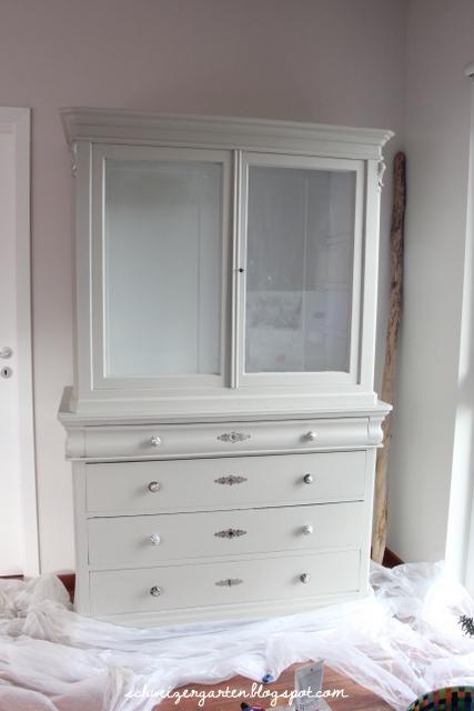 ikea vitrinenschrank ikea. Black Bedroom Furniture Sets. Home Design Ideas