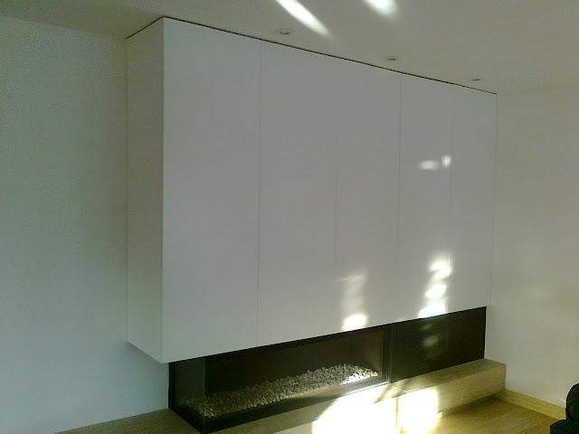 Hecho en madera fet en fusta mueble para ocultar pantalla for Mueble ocultar tv
