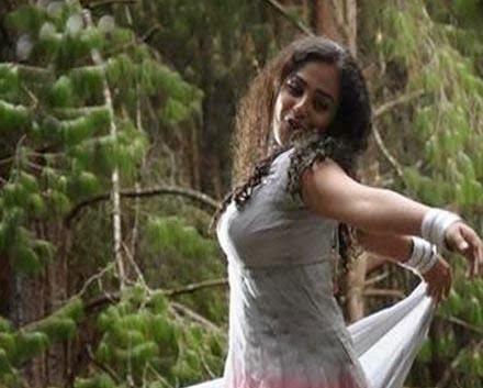 Nithya Menon boobs Images
