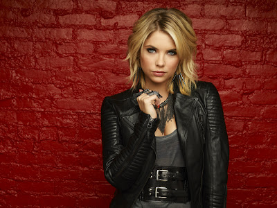 julia graf style steal hanna from pretty little liars