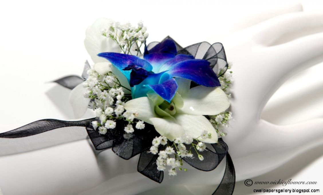 Prom Corsage Boutonniere  Vickies Flowers Brighton Co