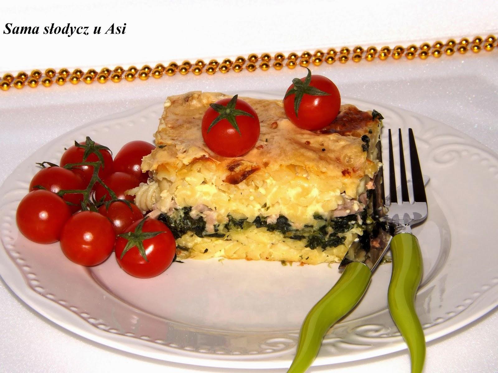 Zapiekanka makaronowa ze szpinakiem i sosem serowym