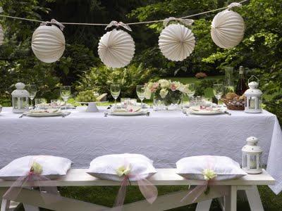 mesa de festa no jardim