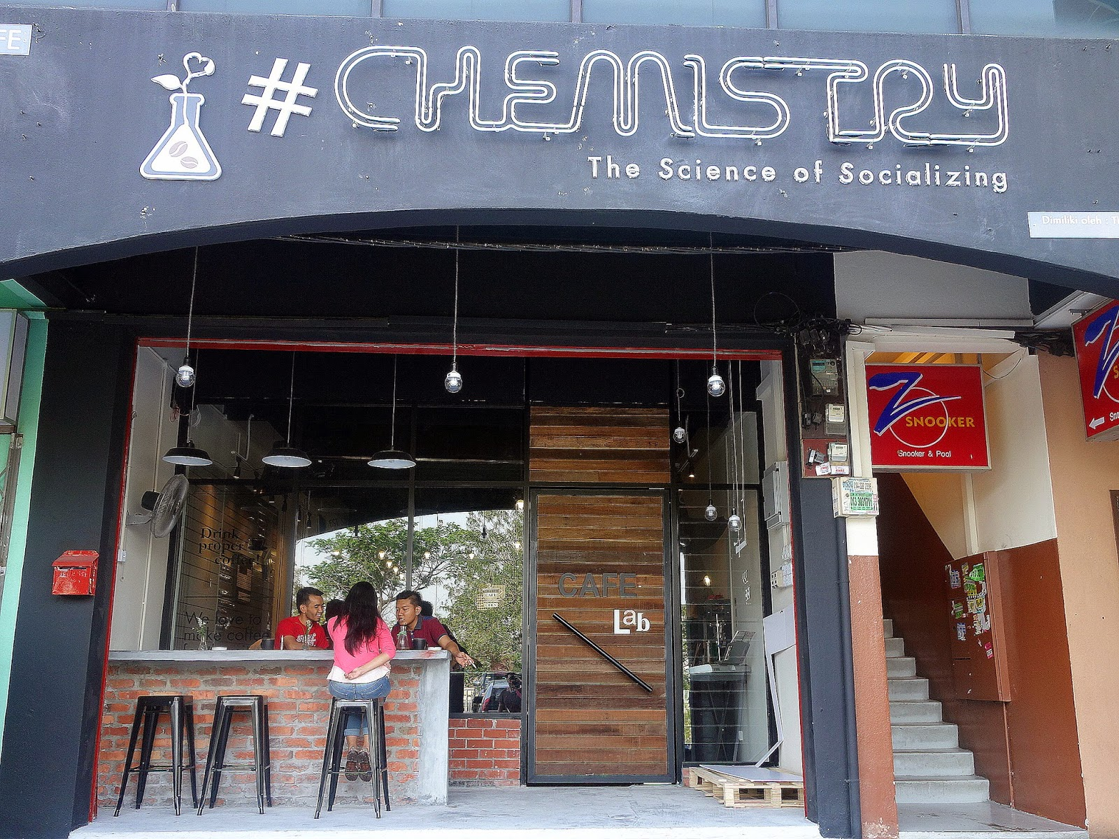 Eat Drink Kl Chemistry Cafe Lab The Sumbs Amp Small Gas