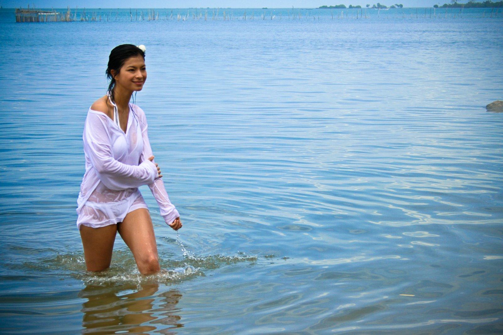 Sexy Angel Locsin Beach Photos | All Pinays - Scandal