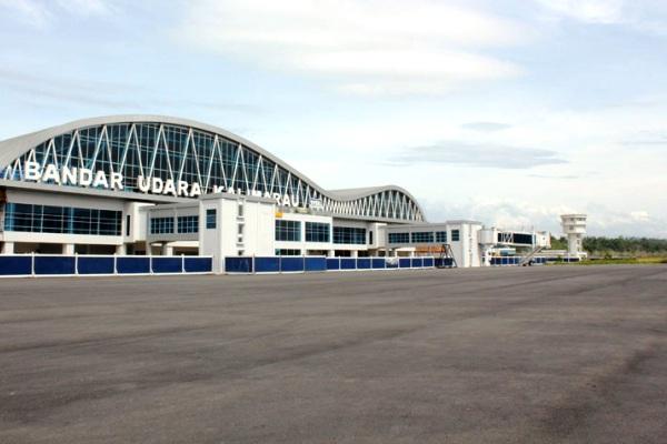 Bandara Kalimarau, Berau, Kalimantan Timur. ZonaAero