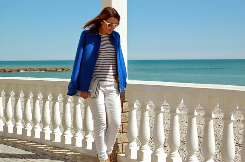 sailor look, blue & white outfit