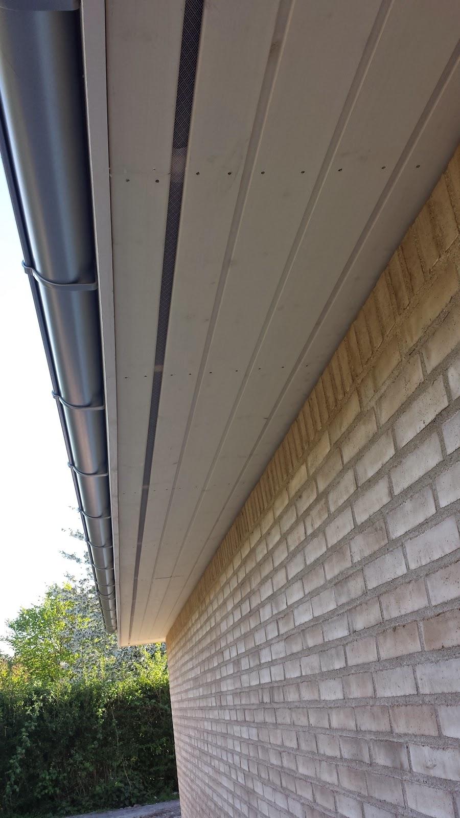 Ventilation og udhæng i vores hus fra Huscompagniet,