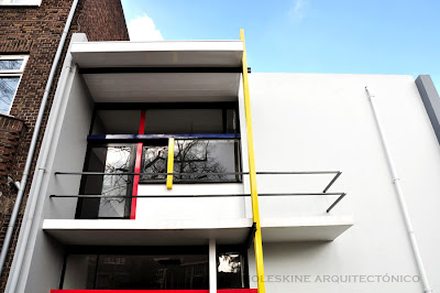 piet mondrian's contribution in architecture essay How mondrian went abstract by one of the most well-known abstract artists of the 20th century is piet mondrian in one of his most important essays.