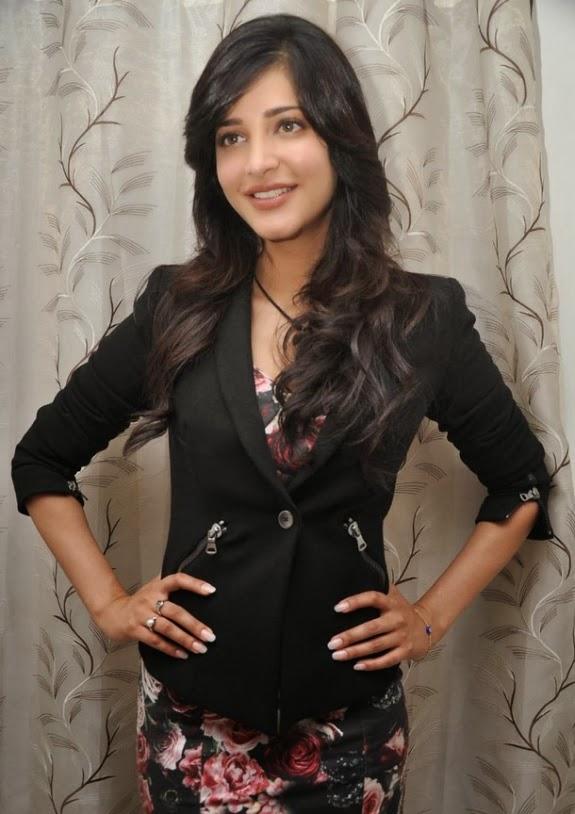 Actress Shruti Hassan Latest Cute Stills