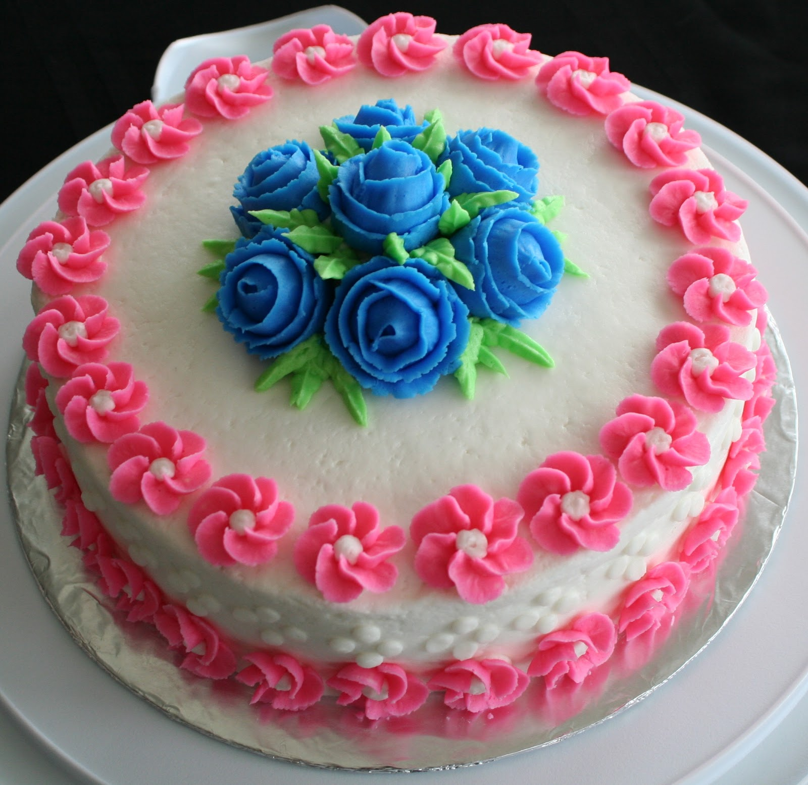 Cake Decoration Buttercream : Julia s Baking Adventures: Wilton Course 1: Decorating ...