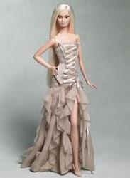 Barbie vestida de Versace