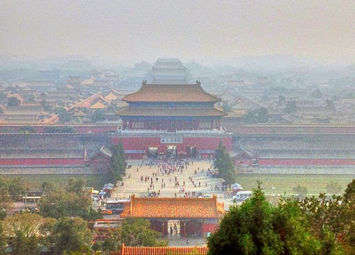 Sins of emission: pollution haze over Beijing's Forbidden City (Credit: Yinan Chen via Wikimedia Commons) Click to enlarge.